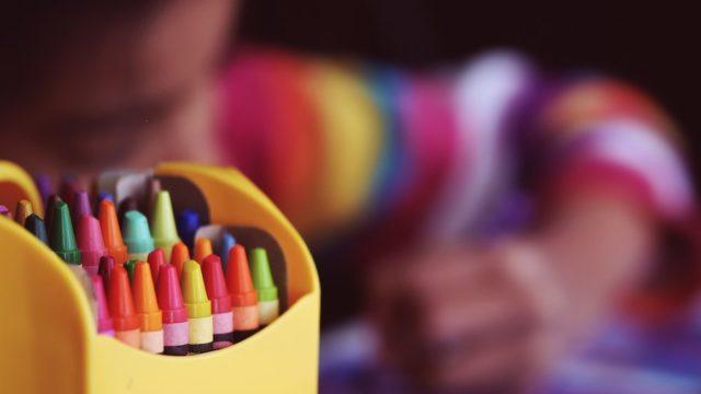 高齢者が見えにくい色とは?見分けがつきにくい組み合わせもご紹介!