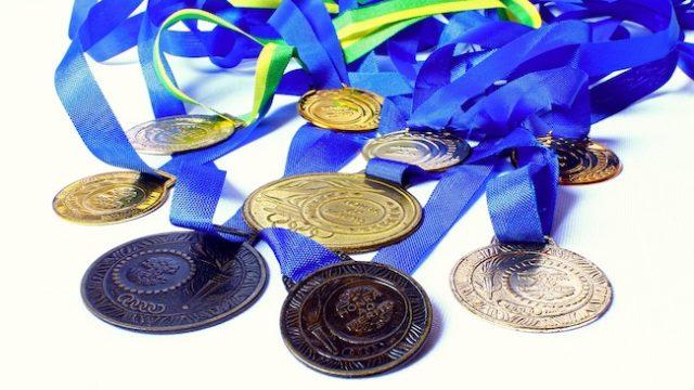 絶対に自慢したくなる!ユニークな形の完走メダルをご紹介!